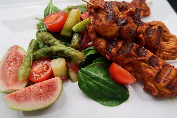 Hähnchen Tandoori Spargel Feigen Spinat fitnessmeetsfood