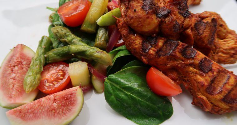 Hähnchen Tandoori mit Spinat-Spargel-Feigen Salat