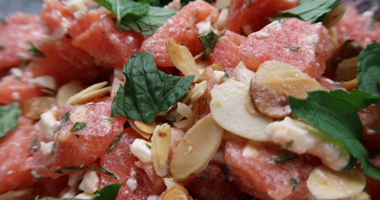 Melonensalat mit Schafskäse und Minze