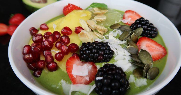 Green Smoothie Bowl – die gesunde Frühstücksbowl